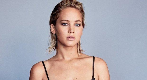 Jennifer Lawrence, denuncia gli abusi a inizio carriera: «Mi dicevano spogliati, poi...»