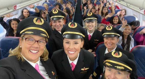 Sull'aereo solo donne, il volo in rosa della Delta per superare il gender gap nell'aviazione