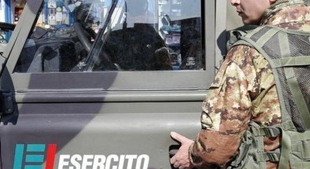Napoli. Militari dell'esercito aggrediti da extracomunitari a Porta Nolana. Salvati dai vigili