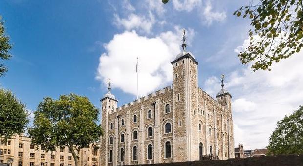 Londra, nella Torre ritrovati due scheletri intatti: sono madre e figlia