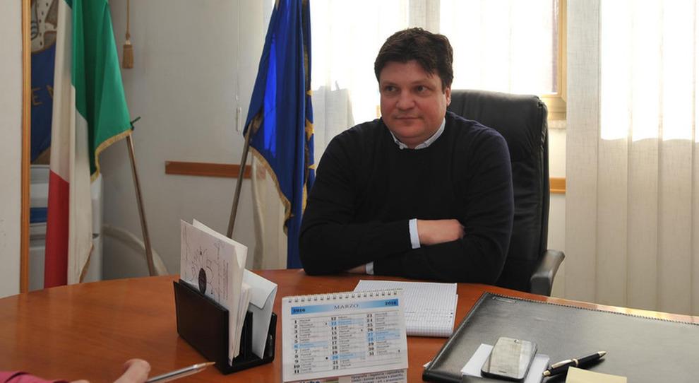 De Rosa tra inchieste e minacce:via la scorta, resta la sorveglianza - Il  Mattino.it