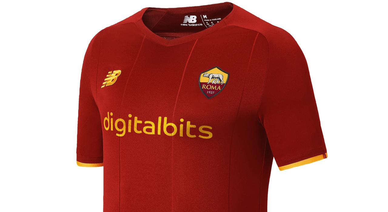 Roma, nuova maglia New Balancecon sponsor Digitalbits - Il Mattino.it