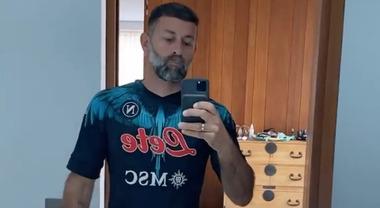 Burlon con la maglia del Napoli:è in vendita per i tifosi a 210 ...