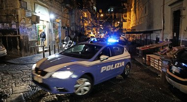Napoli, controlli nella movida dei «baretti»due locali multati per ...