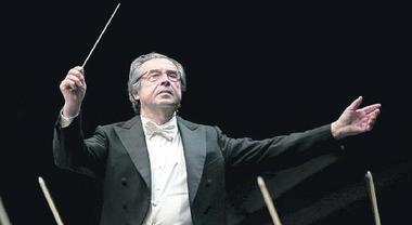 Riccardo Muti tra i templi di Paestum e il Teatro San Carlo può ...