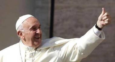 Auguri Di Natale Papa Francesco.Papa Francesco Sommerso Dagli Auguri Di Natale Non Posso Rispondere A Tutti Vi Ringrazio Ora Il Mattino It