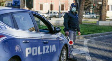 Napoli, senegalese inseguito e arrestato in via Marina: deve ...