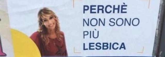 Giornalista Mediaset nella polemica: «Ero lesbica, ma era un inganno di Satana». E l'Università annulla l'incontro