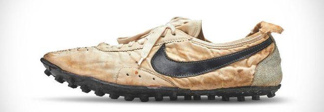 detailed look fc371 9cbb8 Il record del mondo delle scarpe: lotto Nike venduto all ...