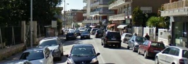 Napoli, preso scippatore di vecchiette: potrebbe essere l'«uomo nero» di via Manzoni