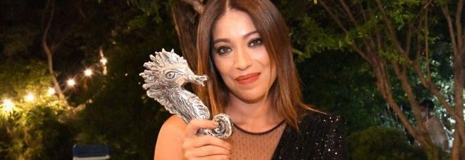 Valentina Parisse riceve il premio «Ischia exploit music award»