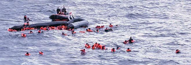 Migranti, naufragio nel Mediterraneo: almeno 6 morti, anche una bimba di 6 mesi