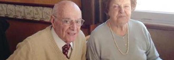 Sposati da 66 anni, muoiono entrambi nel giro di un giorno. La commovente storia di due anziani