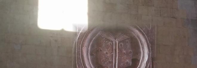Maschio Angioino, ripartono le visite che svelano «Il segreto del Libro di luce»