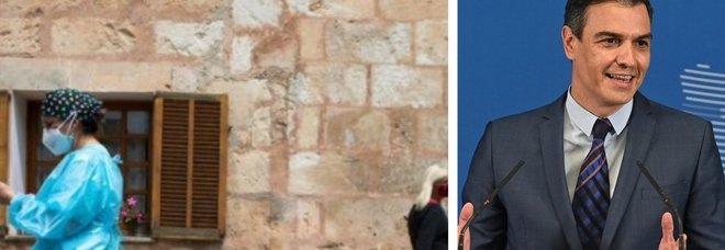 «Mascherine via all'aperto dal 26 giugno»: l'annuncio del premier della Spagna