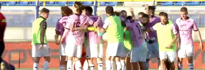 Al Menti fa festa il Palermo: la Juve Stabia dice addio ai play-off