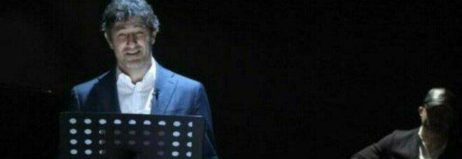 Ciro Ferrara sul palco per ricordare Maradona