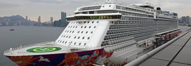 Coronavirus, tutti negativi i 1.800 passeggeri della nave da crociera a Hong Kong: a bordo anche 35 italiani