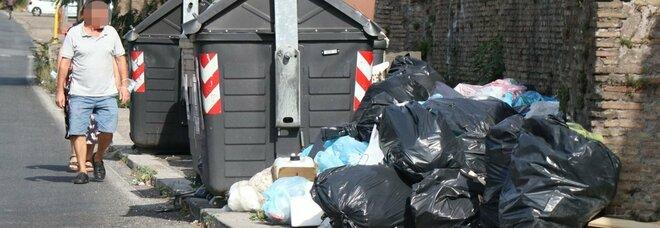 Ama, emergenza rifiuti continua: «Disagi per tutto agosto»