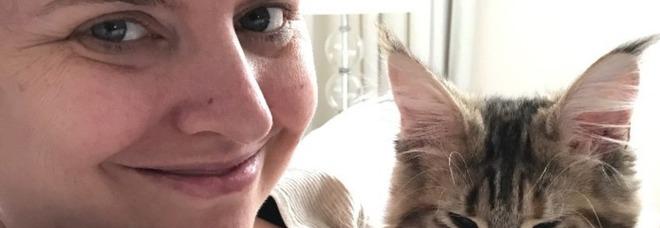 Muore di cancro a 37 anni, Paypal le invia una lettera: «La sua morte viola le regole»