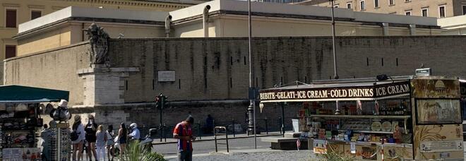 Racket bancarelle a Roma, 18 arresti tra cui Dino Tredicine. Il fratello Mario ai domiciliari