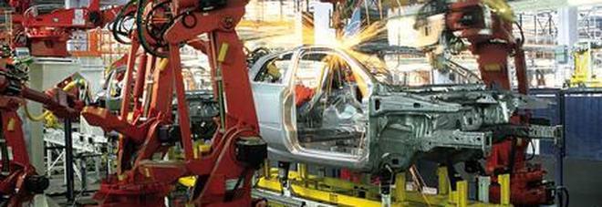 Industria, calano fatturato e ordini: male auto e farmaci. Confindustria: manovra e spread affossano la fiducia