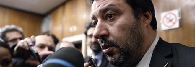 Manovra, Salvini: «Sarà rispettosa di tutte le regole». E lo spread cala