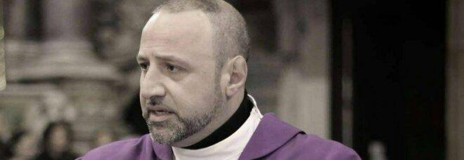 Napoli, don Carmine Amore: «Vendere armi ai ragazzi è troppo facile, basta con questo orrore»