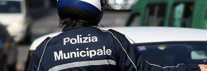 Napoli, Rione Lotto Zero: sequestrati 33 veicoli privi di RCA