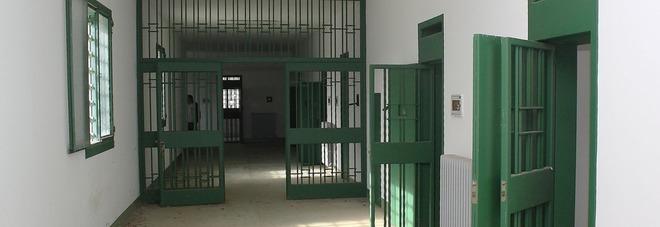 Risultati immagini per immagine di celle di carcere