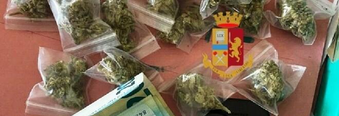 Spaccio di droga a Napoli Est, fermato pusher di marijuana senza patente