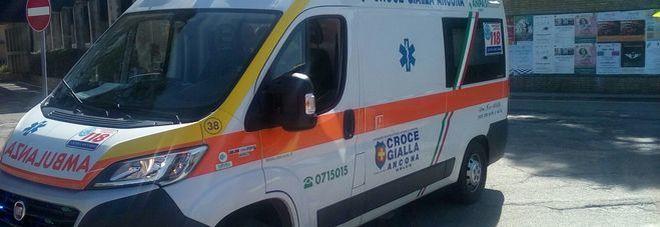 Doloroso incidente durante l'incontro hot, coppia omosex soccorsa dalla Croce Gialla
