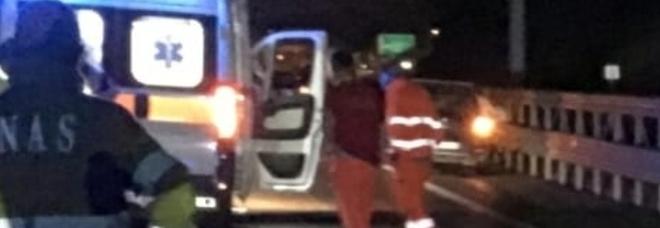 Incidente a Salerno, investito e ucciso a 33 anni mentre attraversa l'autostrada