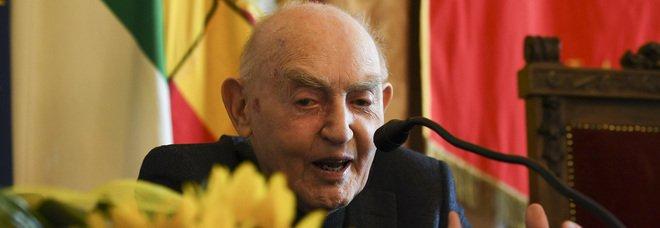 Morto Aldo Masullo, addio al filosofo di Napoli: aveva compiuto 97 anni a Pasqua