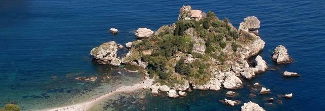 Vacanze, per il 93% degli italiani saranno «brevi e vicine». Crollano le città d'arte, boom di Puglia e Toscana