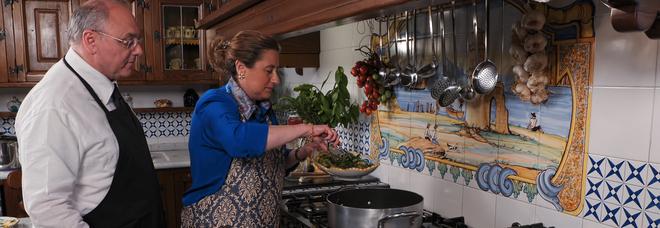 La tv ai tempi del Covid: donna Imma torna con un cooking show, aspettando che riapra il «Castello delle Cerimonie»