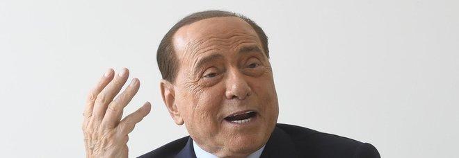 Governo, Berlusconi alla manifestazione di Fi: «Chi guarda a Italia Viva di Renzi è fuori dal partito»