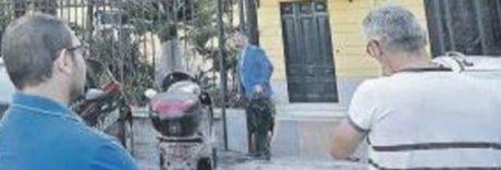 Donna pulizie minacciata e legata: «Io, prigioniera di due banditi»