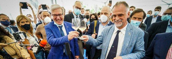 Bmt, il ministro Garavaglia a Napoli: «Mascherine hanno i giorni contati»