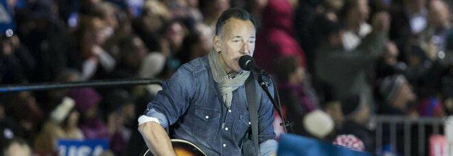 AstraZeneca, ingresso vietato al concerto di Springsteen (a New York) con il vaccino anglo-svedese