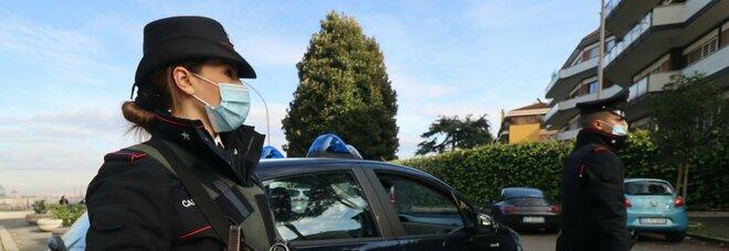 Salerno, furto con spaccata in armeria: rubati cinque fucili, l'auto bruciata