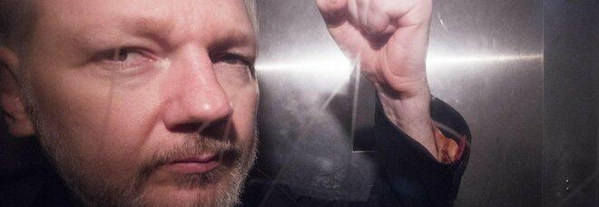 Assange, il giudice nega l'estradizione negli Usa: «Rischia il suicidio»