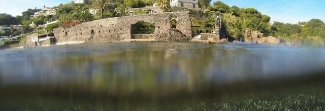 La città sommersa di Aenaria nella baia di Cartaromana a Ischia