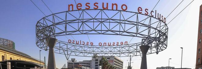 Via Marina, il flop del fungo da 150 mila euro: niente pubblicità ma una frase