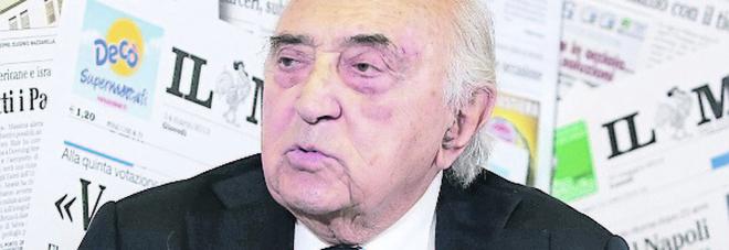 I ricordi di Corrado Ferlaino: «In due per imboccarmi e guai a farmi piangere»