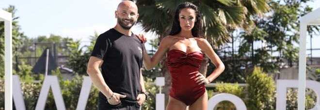 """Raffaella Fico dj Gigi Soriani sul set di """"Maacita loca"""""""