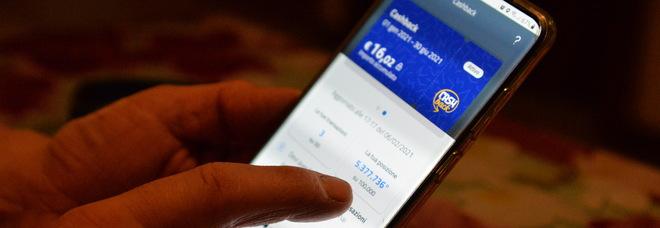 Cashback abolito a fine 2021. Il governo dimezzerà le risorse. Nodo super premio da 1.500 euro