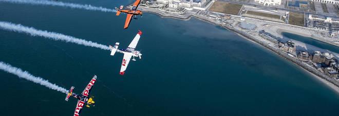 Torna la Red Bull Air Race, battaglia e spettacolo tra i