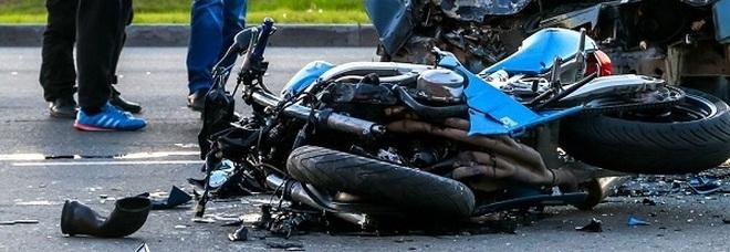 Cilento: scontro tra auto e moto, grave prof universitario di Fisciano