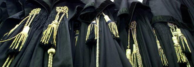 Avvocati, rischio commissario all'Ordine: sette consiglieri contro Russo: si dimetta